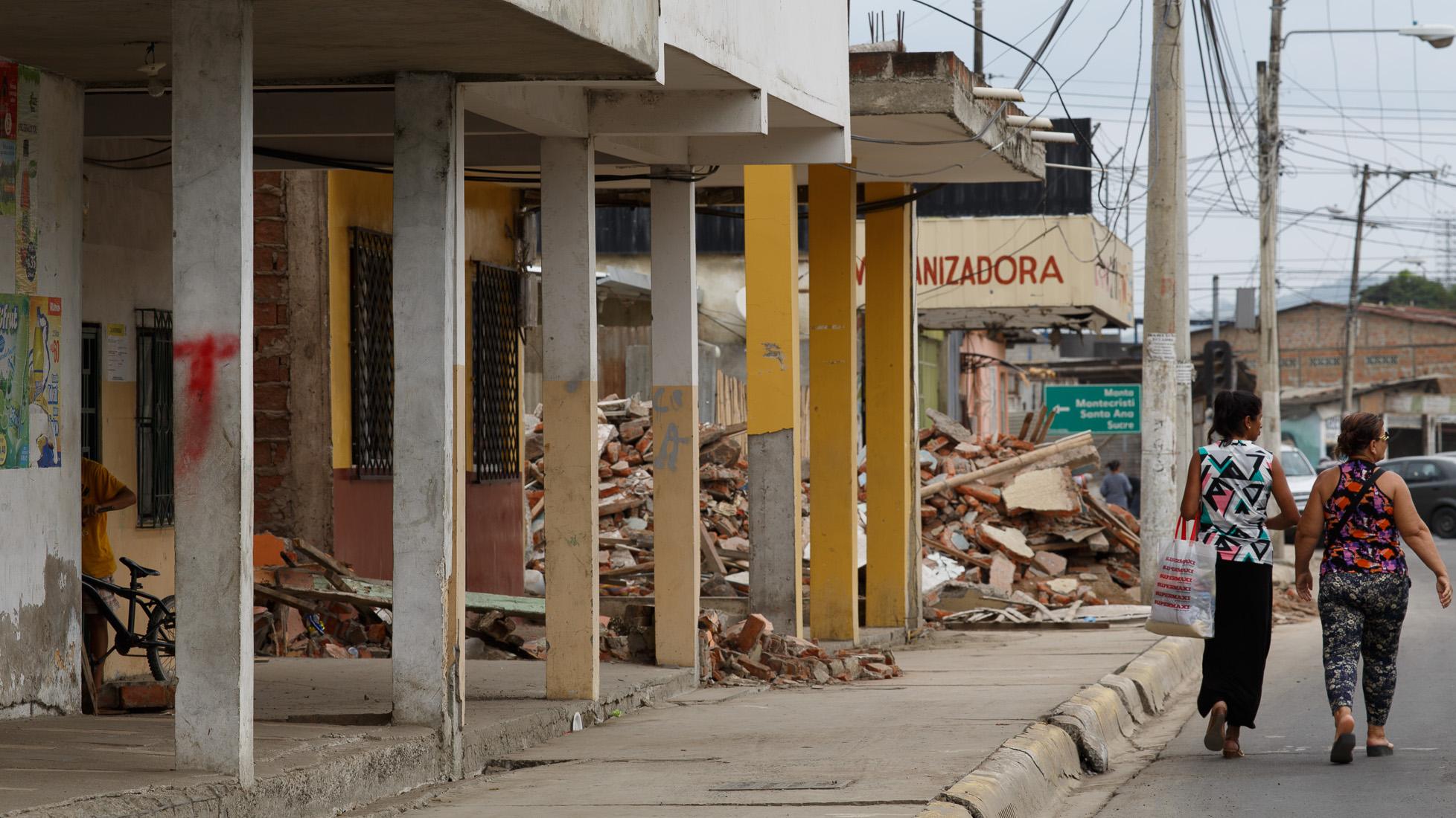 ecuador-earthquake-26